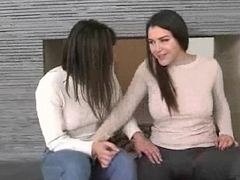 (Valentina Nappi &amp_ Leah Gotti) Teen Hot Lesbians Girls Play In front Of Livecam vid-28