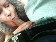 Milf sucks dick with an increment of swallows in car
